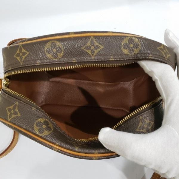 LOUIS VUITTON/ルイヴィトン 袈裟がけショルダーバッグ ブロワ M51221 モノグラム 中身または上からの写真