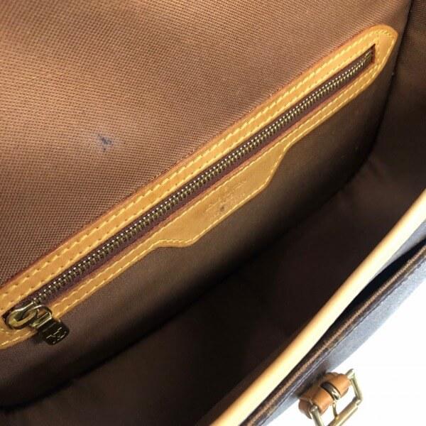 LOUIS VUITTON/ルイヴィトン ショルダーバッグ ソローニュ M42250 モノグラム 中身または上からの写真
