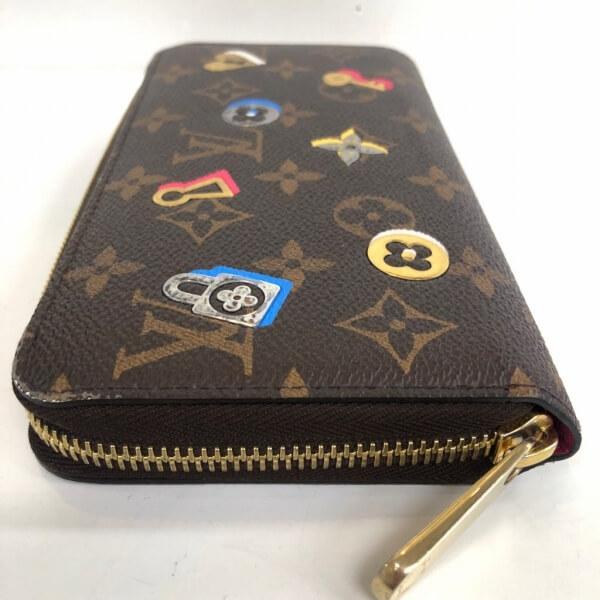 LOUIS VUITTON/ルイヴィトン ラウンドファスナー 財布 ジッピーウォレット ラブロック M64116 モノグラム 側面の写真