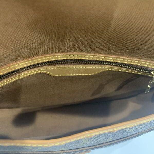 LOUIS VUITTON/ルイヴィトン 袈裟がけショルダーバッグ ジベシエール PM M42248 モノグラム 中身または上からの写真