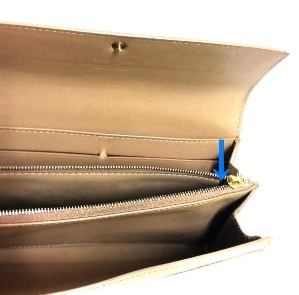 LOUIS VUITTON/ルイヴィトン ホック式 財布 ポルトフォイユ・サラ M91522 ヴェルニ シリアルの場所(引きの画像)