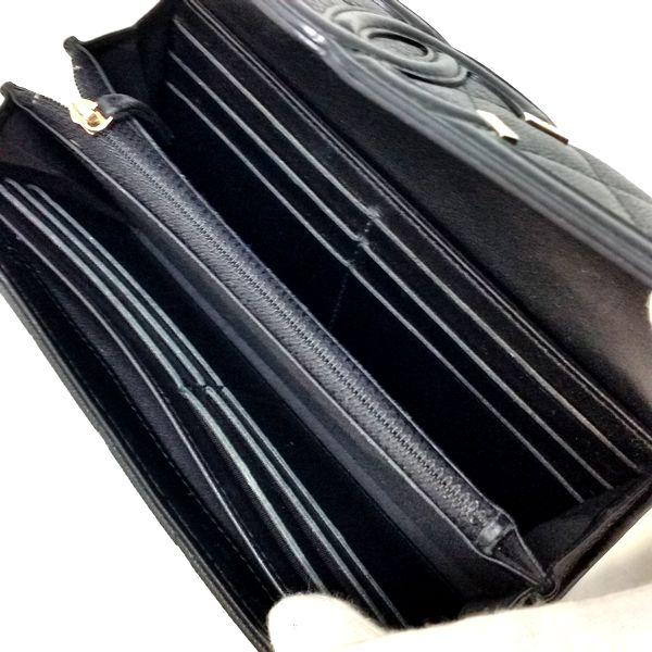 CHANEL/シャネル 2つ折り 財布 CC フリグリー フラップ長財布 A84448 キャビアスキン 中身または上からの写真