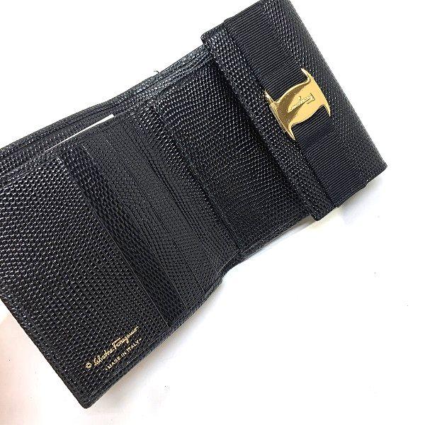 Salvatore Ferragamo/サルヴァトーレフェラガモ 3つ折り 財布 ヴァラ 三つ折ガマ口財布 - ヴァラ 側面の写真